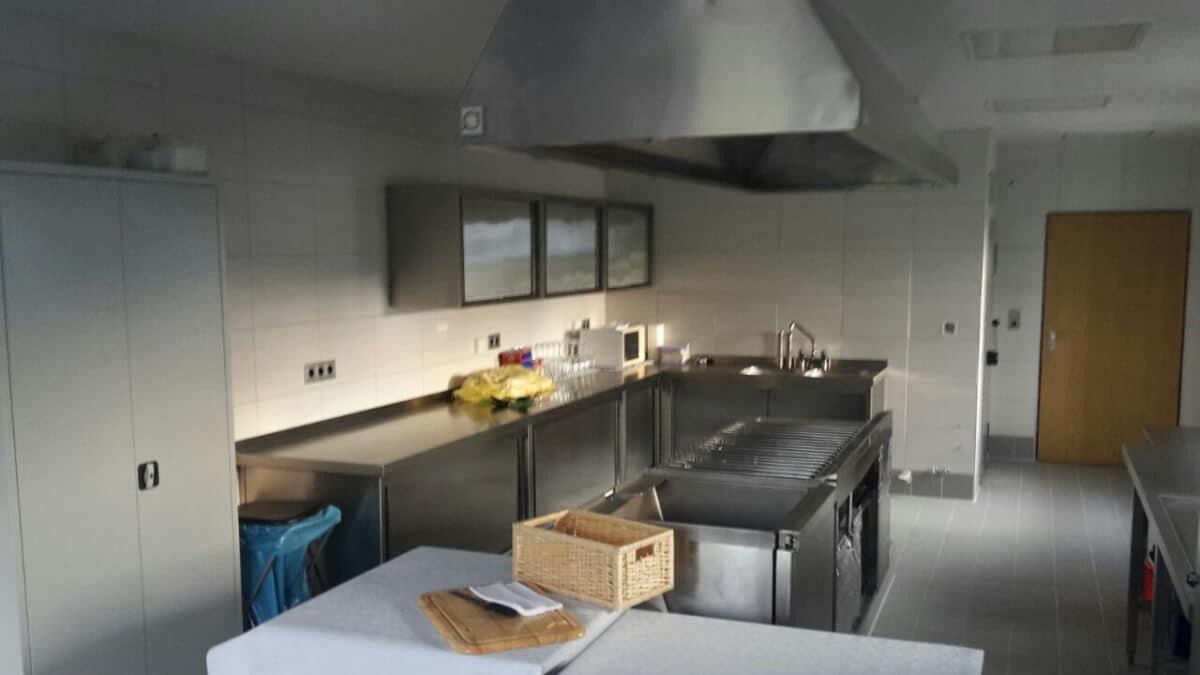 renovierung k che sch tzenverein medelon. Black Bedroom Furniture Sets. Home Design Ideas