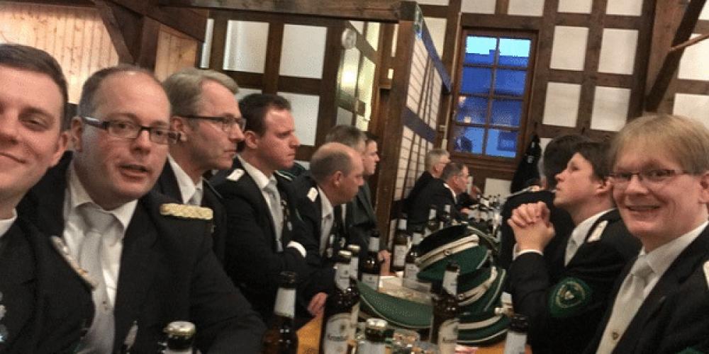 https://schuetzenverein-medelon.de/wp-content/uploads/2018/03/Kreisversammlung-2018-Hallenberg-Gruppenbild.png